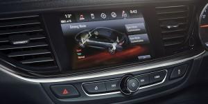 vehicles-insignia_st-driving_dynamics-flexride-VX_INS_26543-992x500